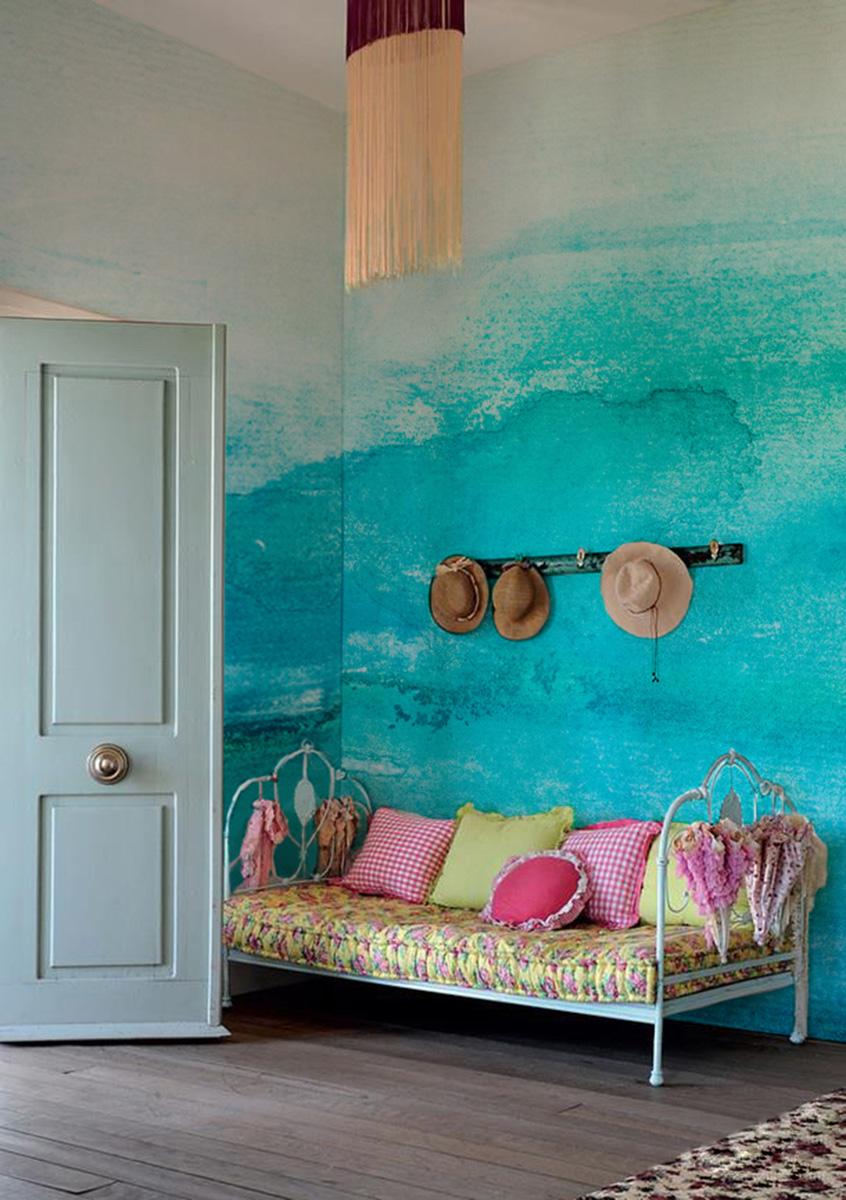 Трудоемкую роспись стен с успехом заменяют виниловые фотообои, Pixers, www.pixersize.com Не подошел ни один из готовых вариантов — напечатайте свой.