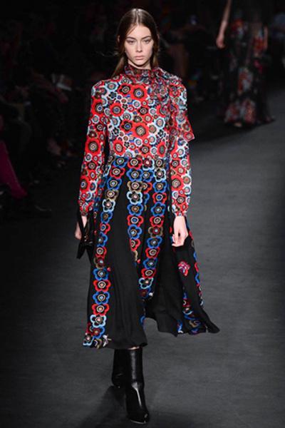 Неделя моды в Париже: показ Valentino ready-to-wear осень — зима 2015-2016 | галерея [1] фото [9]