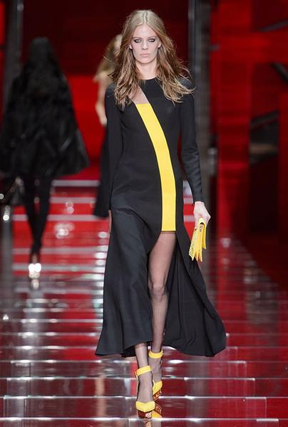 Показ Versace на Неделе моды в Милане | галерея [1] фото [20]