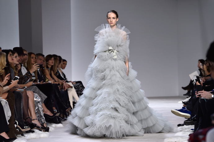 Прямо в сердце: весенняя коллекция Giambattista Valli Couture