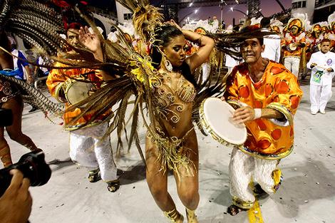 Карнавал в Рио-де-Жанейро танцы