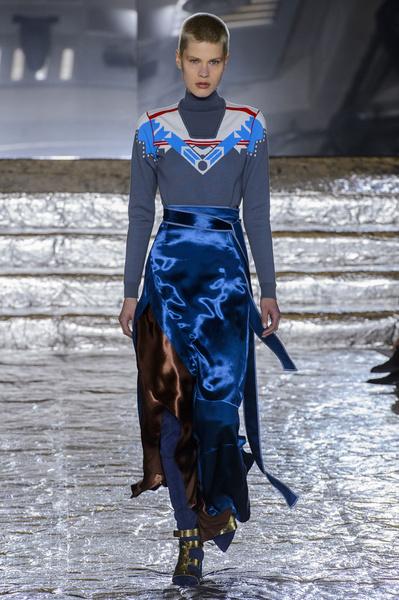 Самые красивые образы Недели моды в Лондоне | галерея [1] фото [33]