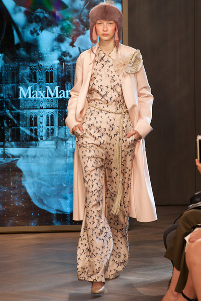 Показ круизной коллекции Max Mara в Лондоне | галерея [1] фото [11]