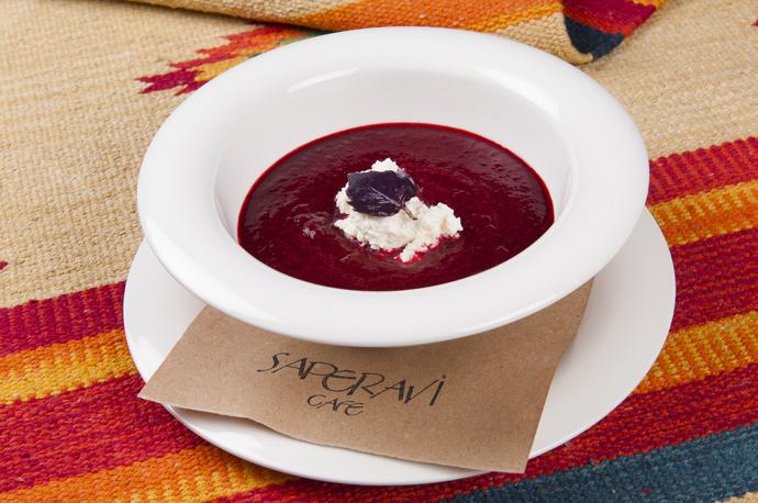 Суп из черешни и вишни с надуги