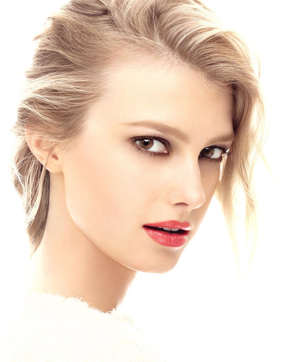 chanel выпустили новую коллекцию макияжа variation