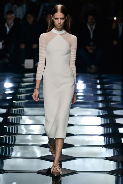 Показ Balenciaga на Неделе моды в Париже