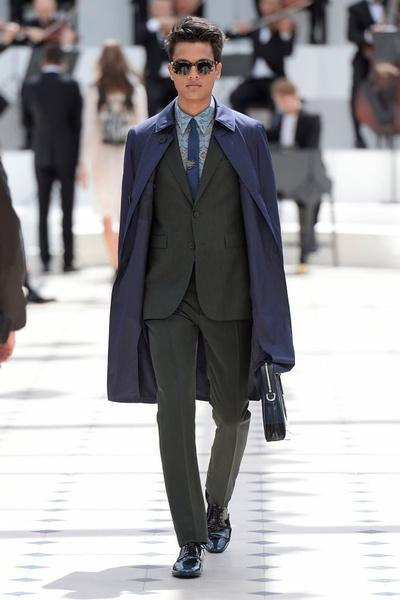 Показ Burberry Prorsum на Неделе мужской моды в Лондоне | галерея [2] фото [25]