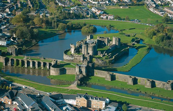Замок Кайрфилли, Уэльс