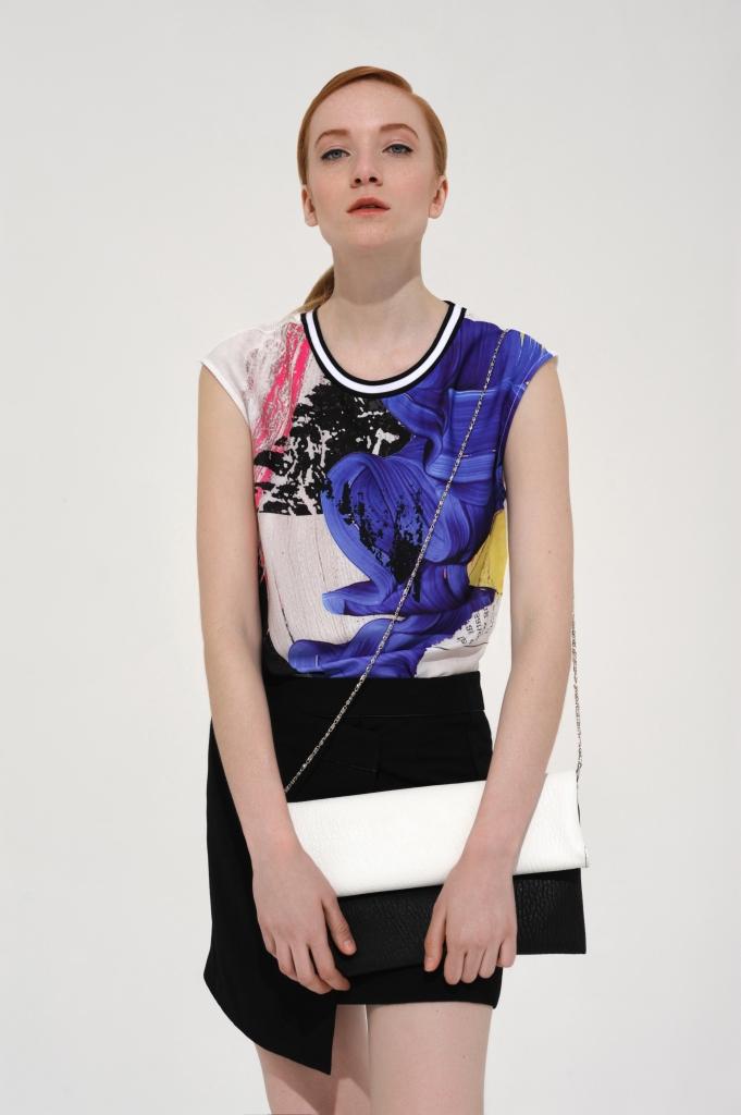 Топ - Zara; юбка - Mango; клатч - Next