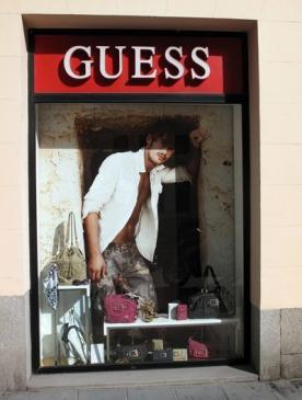 Магазин Guess