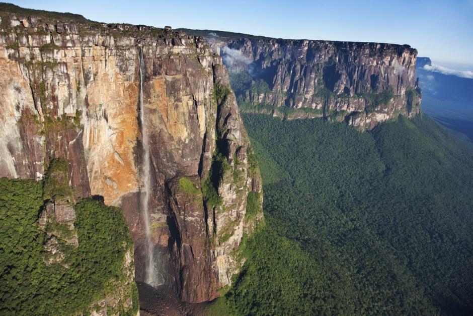 Райский водопад из мультфильма «Вверх»