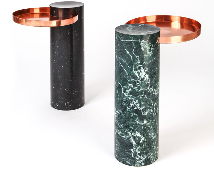 Столики Salut, La Chance. Основания — из мрамора или стали, столешница — из латуни