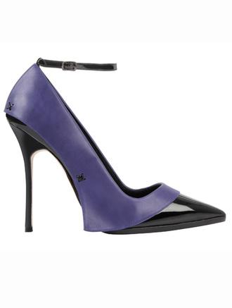 Manolo Blahnik создал туфли для новой коллекции Victoria Beckham