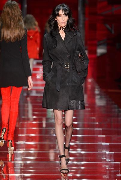 Показ Versace на Неделе моды в Милане | галерея [1] фото [14]