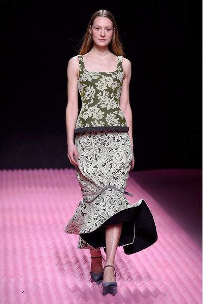 Показ Mary Katrantzou на Неделе моды в Лондоне | галерея [1] фото [30]