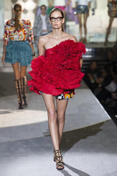 НУЖНЫЙ ТОН: Какие цвета и сочетания цветов в моде этим летом? | галерея [3] фото [5]