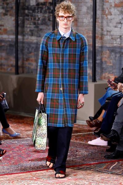 Дом Gucci представил новую круизную коллекцию 2016 | галерея [2] фото [27]