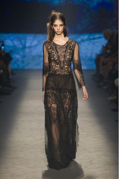 Самые красивые образы Недели моды в Милане | галерея [1] фото [24]