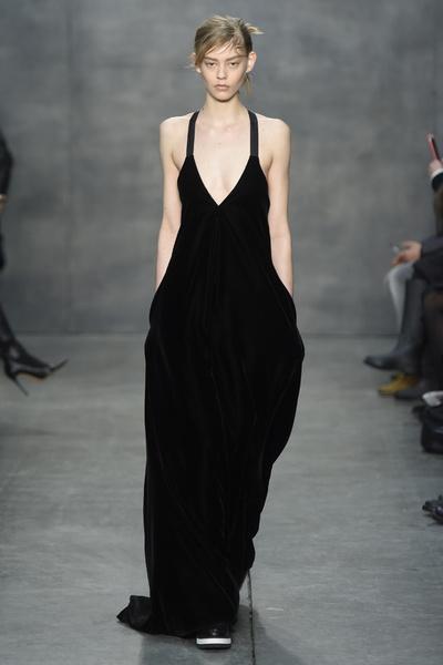 Самые роскошные вечерние платья Недели моды в Нью-Йорке | галерея [4] фото [3]