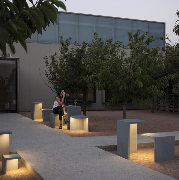 Светящаяся мебель для сада от фабрики Vibia | галерея [1] фото [1]