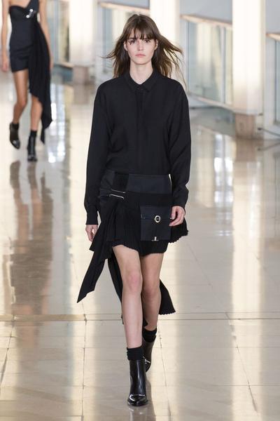 Показ Anthony Vaccarello на Неделе моды в Париже | галерея [2] фото [29]
