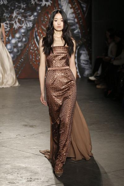 Самые роскошные вечерние платья Недели моды в Нью-Йорке | галерея [2] фото [6]