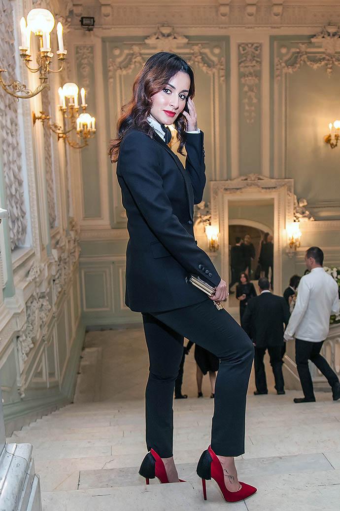 Тина Канделаки в костюме