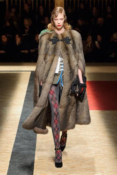 Самые красивые образы Недели моды в Милане | галерея [1] фото [11]