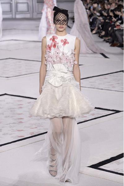 Показ Giambattista Valli Haute Couture | галерея [1] фото [4]