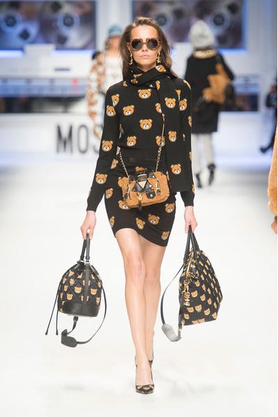 Показ Moschino на Неделе моды в Милане | галерея [4] фото [13]