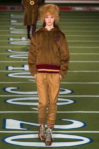Показ Tommy Hilfiger на Неделе моды в Нью-Йорке | галерея [2] фото [31]