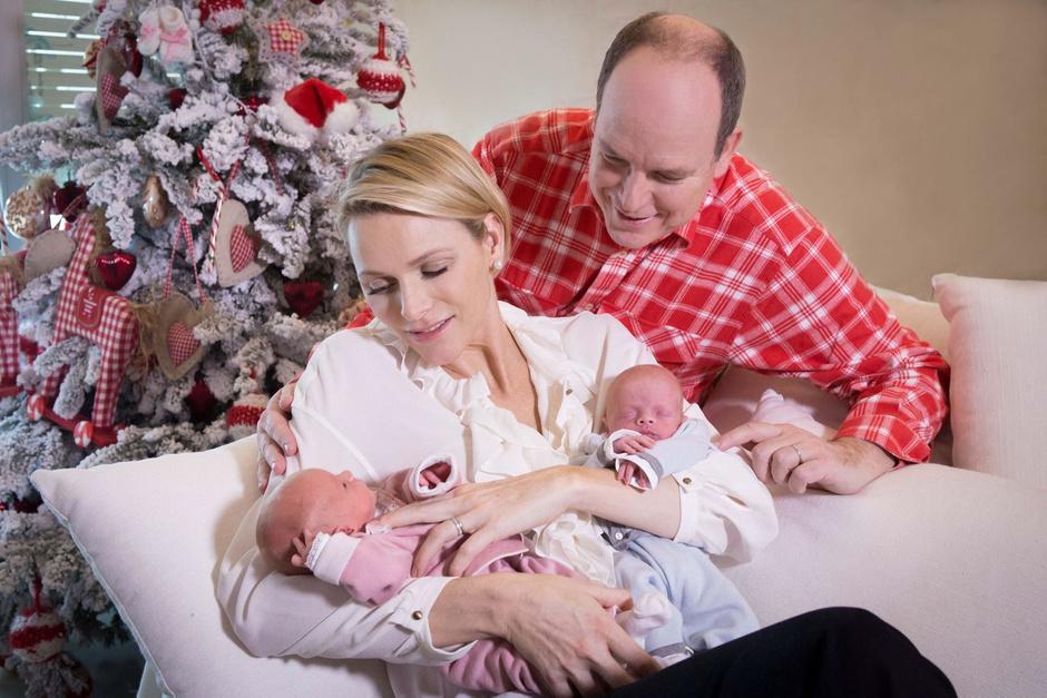 Князь Альбер II и принцесса Шарлен с детьми