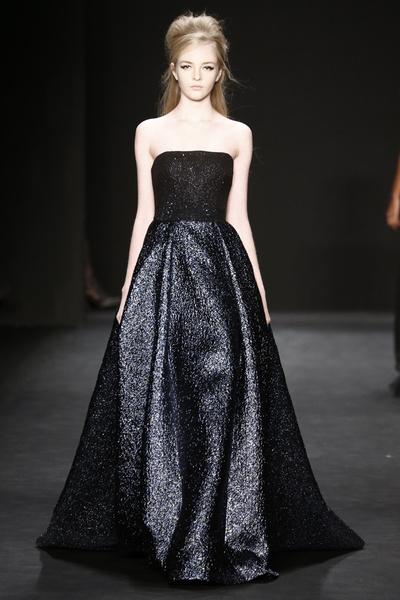 Самые роскошные вечерние платья Недели моды в Нью-Йорке | галерея [1] фото [11]