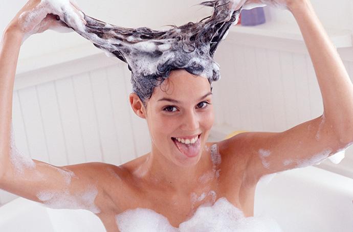 Лечить волосы