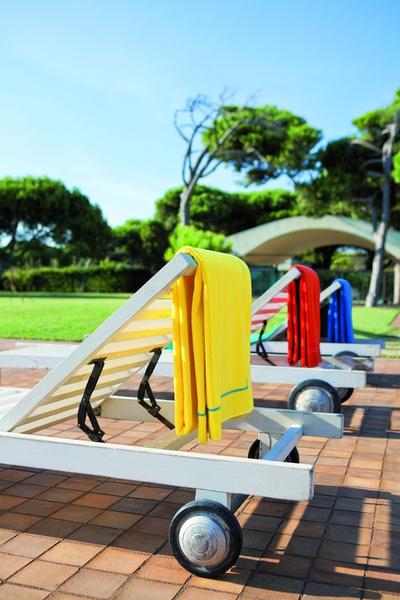 Яркие пляжные полотенца Yves Delorme и Ralph Lauren Home | галерея [1] фото [9]
