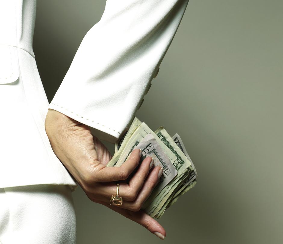 Как на женских тренингах учат привлекать в свою жизнь богатство?
