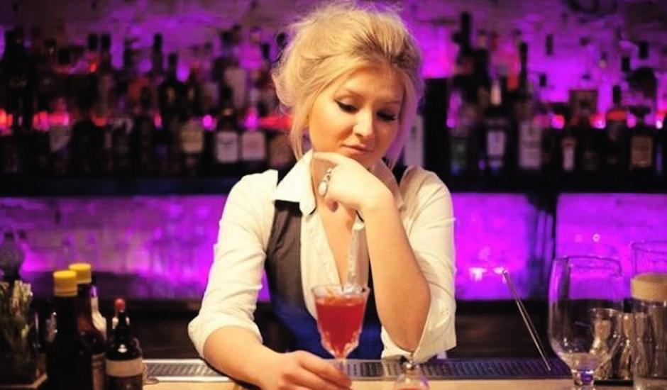 Гвоздева Александра, бармен рестобара «Прожектор»