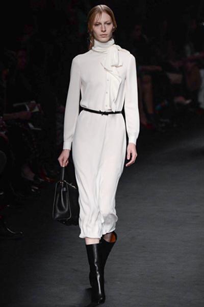 Неделя моды в Париже: показ Valentino ready-to-wear осень — зима 2015-2016 | галерея [1] фото [33]