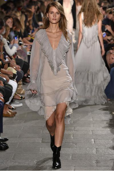 50 лучших платьев Недели моды в Милане | галерея [1] фото [29]