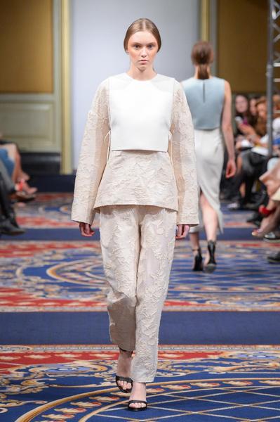 Показ осенне-зимней коллекции Ruban на Mercedes-Benz Fashion Week RussiaПоказ осенне-зимней коллекции Ruban на Mercedes-Benz Fashion Week Russia | галерея [2] фото [9]