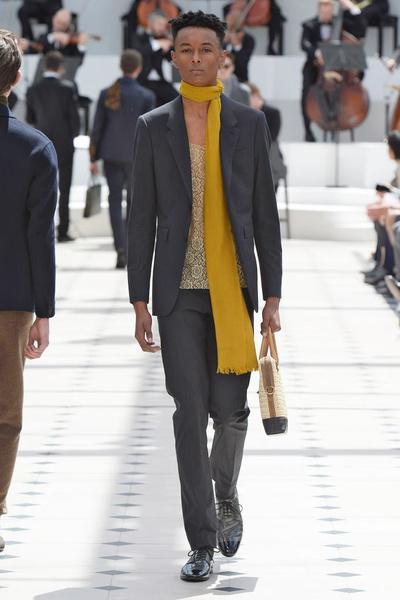Показ Burberry Prorsum на Неделе мужской моды в Лондоне | галерея [2] фото [24]