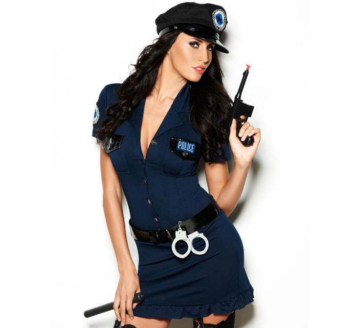 Служащая полиции