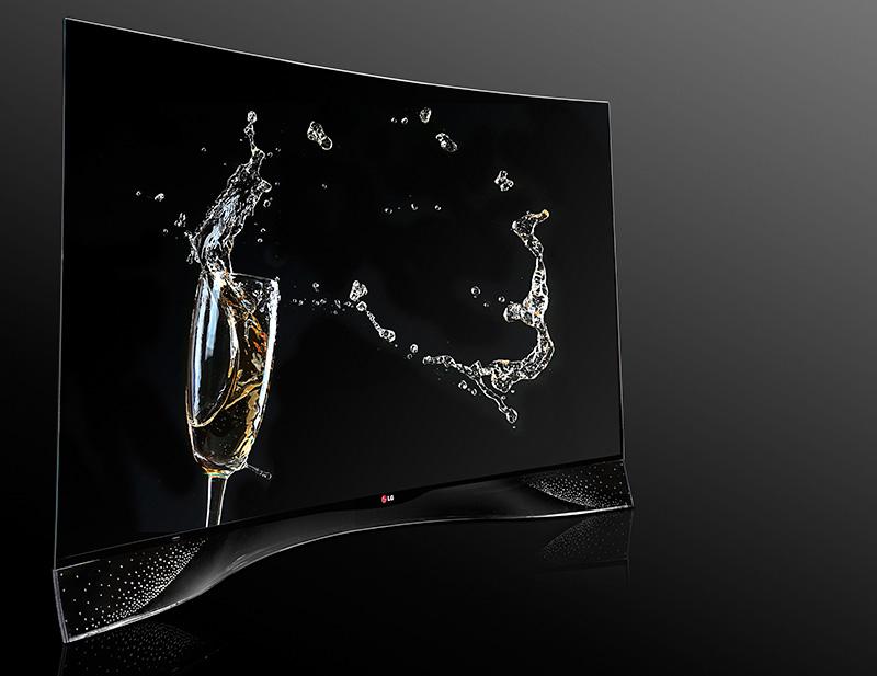OLED-телевизор с изогнутым экраном, отделанный хрустальными стразами