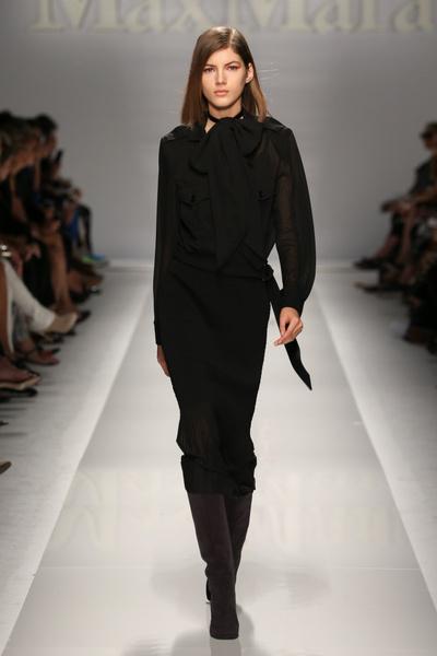 Показ MaxMara на Неделе моды в Милане