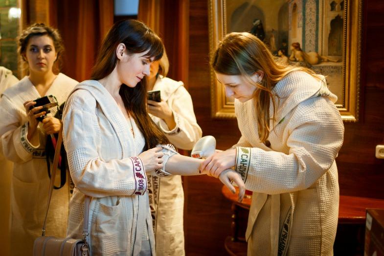 Полина Аскери и Елена Кулецкая на девичнике в Сандуновских банях