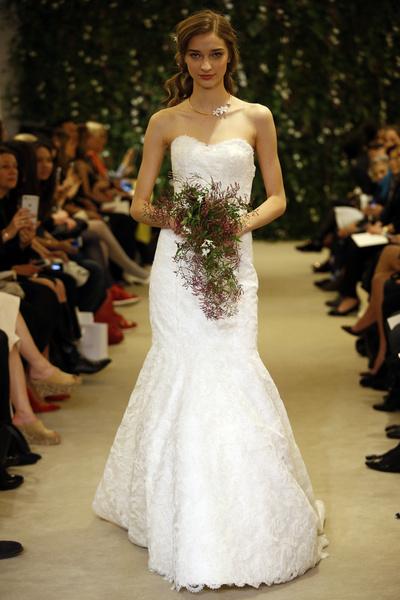 Показ Carolina Herrera на Неделе свадебной моды в Нью-Йорке | галерея [1] фото [15]