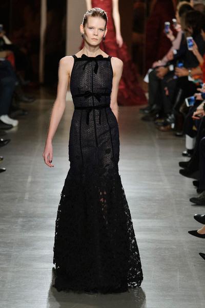 Показ Oscar de la Renta на Неделе моды в Нью-Йорке | галерея [1] фото [13]