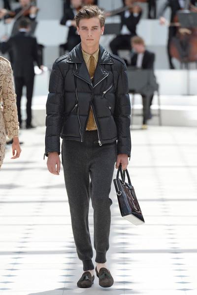 Показ Burberry Prorsum на Неделе мужской моды в Лондоне | галерея [2] фото [6]