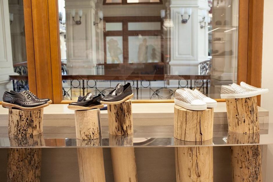 В ГУМе открылся первый монобренд обувной марки Rocco P