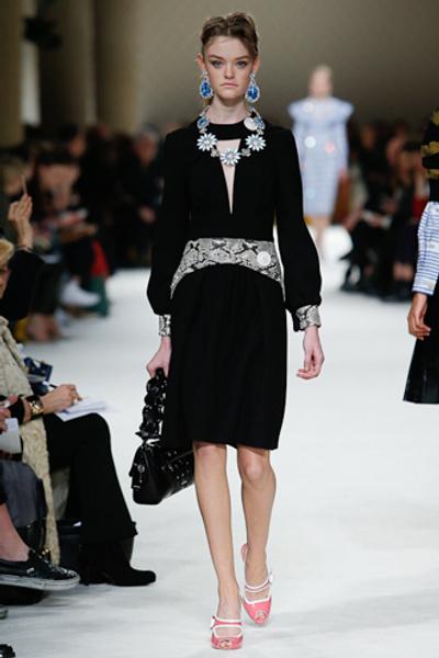 Неделя моды в Париже: показ Miu Miu pret-a-porter осень-зима 2015/16 | галерея [1] фото [4]